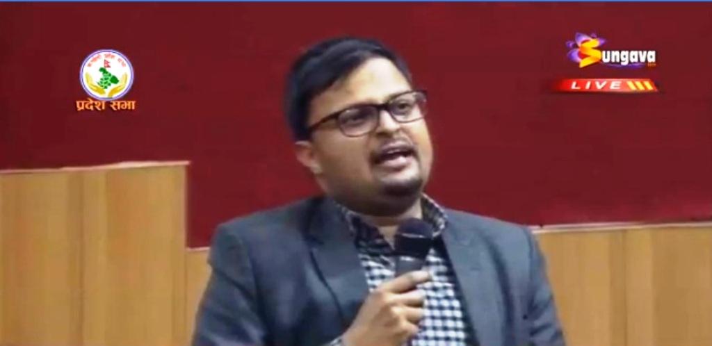 कर्णालीका मन्त्रालय नजिक विचौलियाको घेराः रेग्मी (भिडियो सहित)